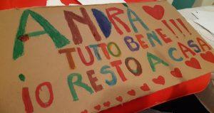 Mesajul copiilor din Italia. Foto: Luiza Dinică